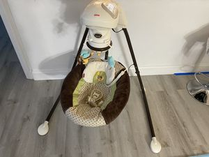 Fisher Price Baby Swing for Sale in Hallandale Beach, FL
