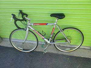 Cannondale Road bike aluminum for Sale in Las Vegas, NV