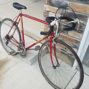 SOLD Road bike forsale Schwinn sprint for Sale in Springfield, OH