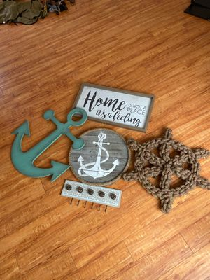 Frame ROOM DECOR BEACH THEME WITH HANGER for Sale in Seal Beach, CA