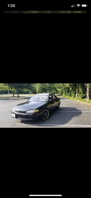 1995 Lexus es300 free for Sale in Everett, WA