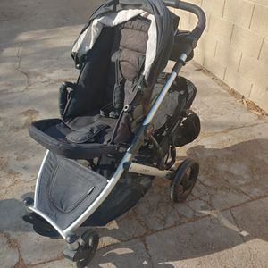Britax double stroller / Carriola / coche bebe for Sale in Phoenix, AZ