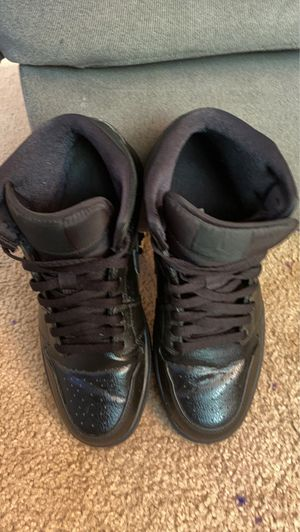 Jordan 1 all black very clean and lightly used size 9.5 men OBO for Sale in Kent, WA