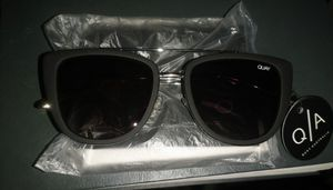 QA french kiss female sunglasses (pick up) for Sale in Lynwood, CA