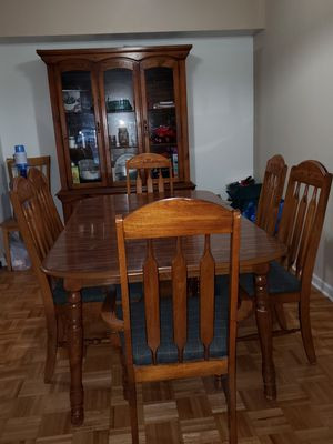 Dining table with China Cabinet and 6 chairs for Sale in Schaumburg, IL