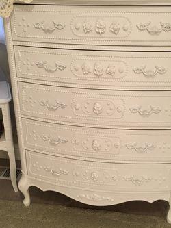 Gorgeous Five Drawer Provincial Highboy Dresser for Sale in Kirkland,  WA