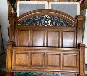 King size bedroom set for Sale in Inkster, MI
