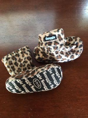Snuggie Leopard Print Slippers S 11-12 for Sale in East Brunswick, NJ