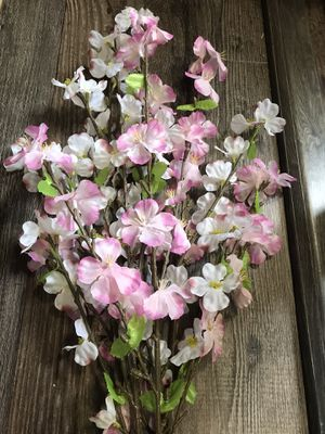 Pink decorative flowers for Sale in Elma, WA