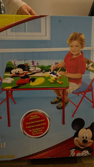 toddler table for Sale in Los Angeles, CA