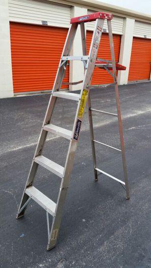Aluminum ladder 6' $20 for Sale in Medley, FL