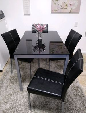 Dining table set tempered glass for Sale in Los Angeles, CA