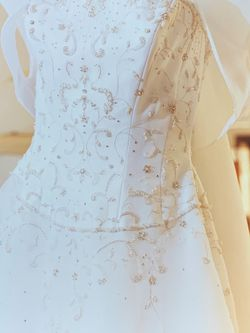 Eve Of Milady Wedding Gown Size 8 for Sale in Hollywood,  FL
