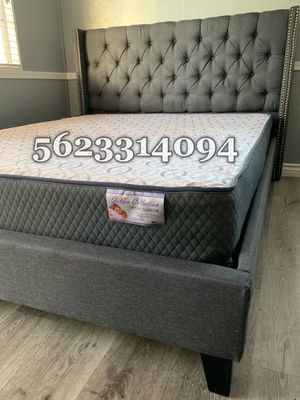 Queen Gray Tufted Bed with Mattress Included for Sale in Madera, CA