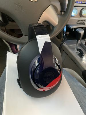Beats Studio Wireless over ear headphones for Sale in Moreno Valley, CA