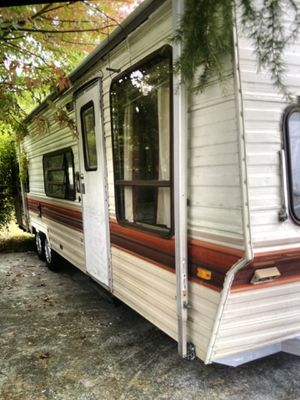 1985 26ft travel trailer good condition for Sale in Everett, WA
