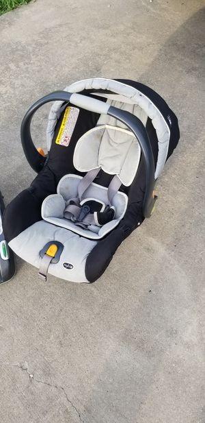 Car seat. No accidents. Great condition. Multiple recline adjustments. Adjusts to any vehicle. Chicco KeyFit30 for Sale in Melissa, TX
