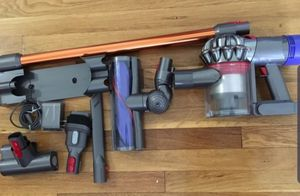 Dyson V8 $240 for Sale in Queens, NY