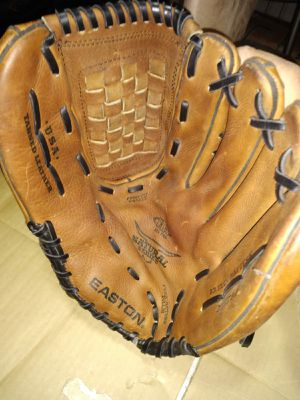 "Easton 13"" Baseball Glove for Sale in Gardena, CA"
