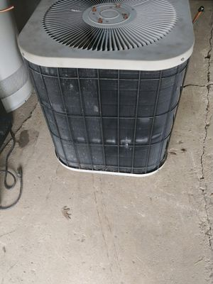 Two and a half ton central air unit for Sale in Strongsville, OH