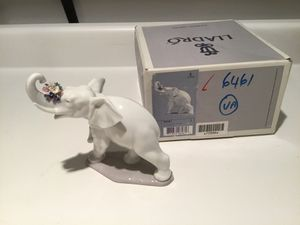 Lladro Lucky's Call Porcelain Figurine for Sale in Seattle, WA