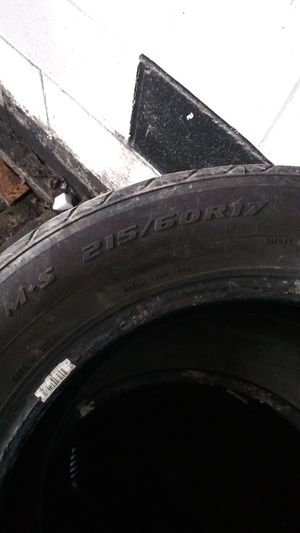 215/60/17 inch tire for Sale in Brooklyn, OH