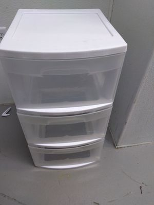 Portable storage bin and 40qt locking container for Sale in Vestal, NY