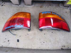 Toyota sienna 2000 taillights for Sale in Miami Gardens, FL