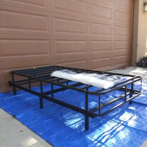 """7"""" TWIN METAL BED FRAME AND 9"""" METAL BOX SPRING WITH COVER for Sale in Goodyear, AZ"""