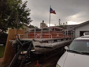 20-ft pontoon boat 90 HP Evinrude for Sale in Aurora, CO