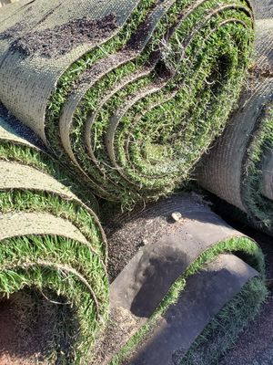 massive rolls of used Artificial grass for Sale in Issaquah, WA