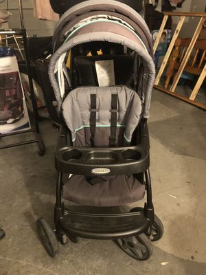 Gracie double stroller with car seat for Sale in Fresno, CA