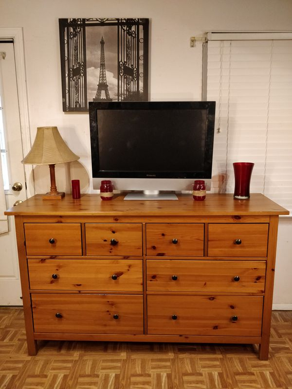 "Like new solid wood dresser/TV stand with 8 drawers in great condition, all drawers sliding smoothly, pet free smoke free. L63""*W20""*H38"""