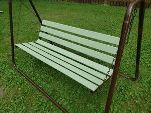 patio Porch or backyard swing freshly painted for Sale in Palos Hills, IL