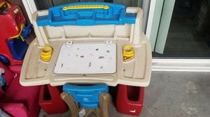 Kids desk for Sale in North Las Vegas, NV
