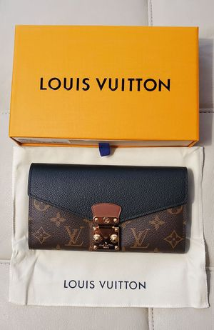 Louis Vuitton Black/Brown Pallas Monogram Womens Wallet for Sale in Arlington Heights, IL