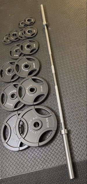 300lb Olympic Weights + 7ft 45lb Olympic Bar (BRAND NEW) for Sale in Riverside, CA