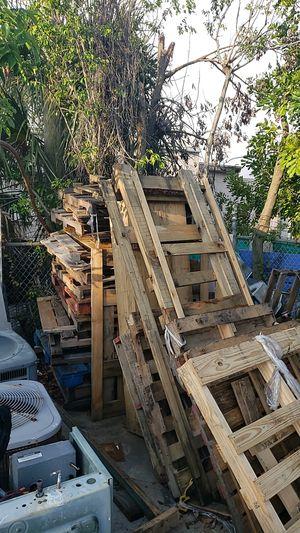 Free pallets for Sale in Boca Raton, FL