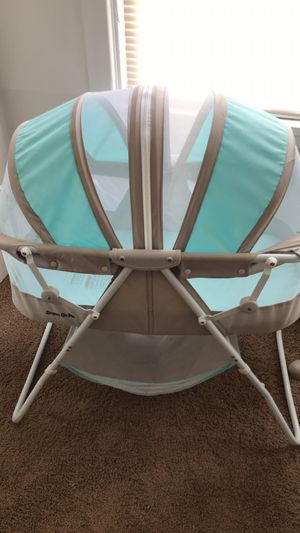 Dream On Me Karley Bassinet, Blue/Gray for Sale in Pittsburgh, PA