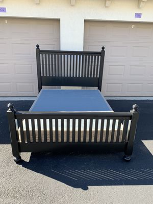 Queen Bed Frame + Box (delivery negotiable) for Sale in Boca Raton, FL