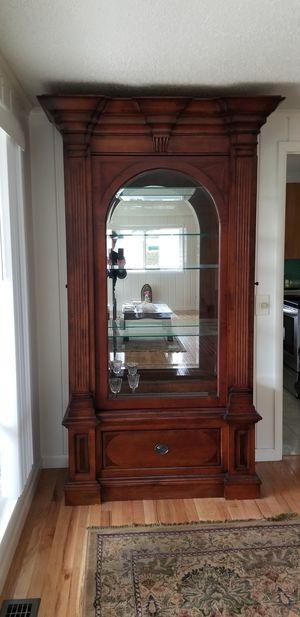 Curio Cabinet for Sale in Everett, WA
