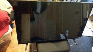 VIZIO 32' TV Price is NEGOTIABLE. for Sale in Sullivan, MO