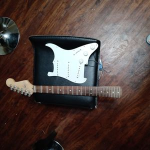 Buying Un-used/Broken Electric Guitars for Sale in Tempe, AZ