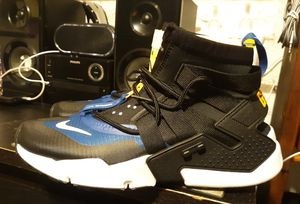 Brand new and original men's Nike Huaraches sneakers size 10.5 for Sale in Philadelphia, PA