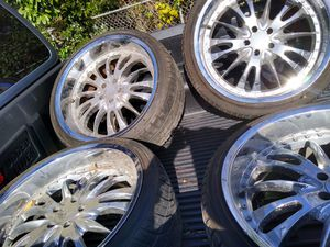 22in rims came off of 300 Chrysler for Sale in Fort Worth, TX