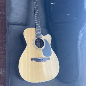 Alvarez Acoustic Electric Guitar W/ Case for Sale in Orchard Park, NY