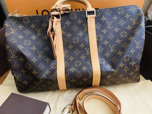 Authentic Louis Vuitton Monogram Keepall Bandouliere 45 Boston Travel Hand Bag for Sale in Lincoln Acres, CA
