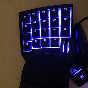 Razer Tartarus V2 for Sale in San Marcos, TX