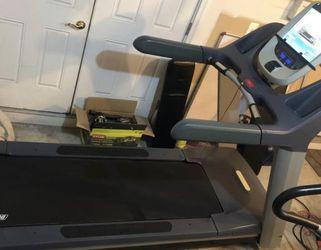 Precor TRM 885 V1 Treadmill W/p80 Console - Refurbished for Sale in Gaithersburg,  MD