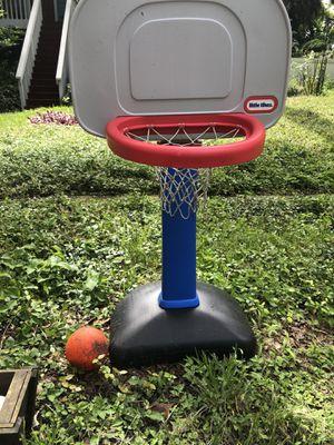 Little tykes basketball hoop for Sale in Riverview, FL
